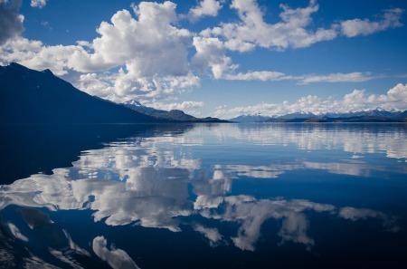 lake-430508_960_720